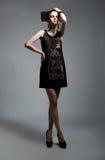 model posera för härlig modekvinnlig Royaltyfri Foto