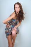 model posera som är slankt Arkivfoto
