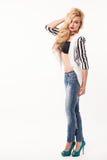 model posera studio för härlig modeflicka Arkivfoto