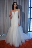 A model poses at the Henry Roth Bridal Sprng 2016 Collection presentation Stock Photography