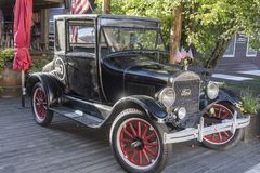 Free Model T Car Outside Restaurant North Cache Street Jackson Wyoming Royalty Free Stock Images - 133433159