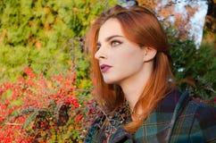 model utomhus- för kvinnlig Arkivfoto