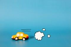 Model van auto het drijven met rook Royalty-vrije Stock Foto