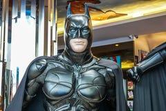 Model van Batman-vertoningen in Shoppes in Marina Bay Sands in Singapore stock fotografie