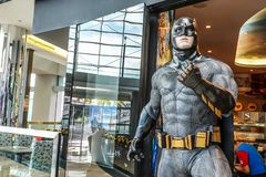 Model van Batman-vertoningen in Shoppes in Marina Bay Sands in Singapore royalty-vrije stock foto's