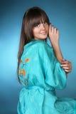 model visande le för skönhetomsorgsflicka Royaltyfria Bilder