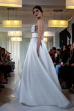 A model walks the runway during the Angel Sanchez Bridal Fall/Winter 2016 Runway Show Stock Photos