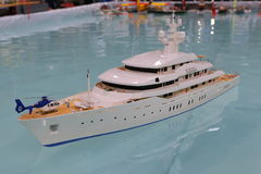 Model of the yacht on the pool Royalty Free Stock Photos