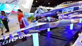 Model Yakovlev Yak-130 posuwał się naprzód trenera na pokazie przy Singapur Airshow Obraz Royalty Free