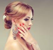Model z elegancką fryzurą Obrazy Royalty Free