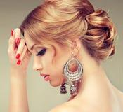 Model z elegancką fryzurą Obraz Royalty Free