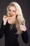 Model z pizzą Obraz Royalty Free