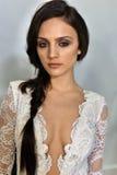 Modela pozy podczas Galia Lahav mody Bridal tygodnia Skaczą, lata 2017 prezentacja/ Obraz Royalty Free