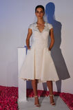 Modela pozy podczas spadku 2015 Pamella Roland Bridal Inkasowej prezentaci Obraz Stock