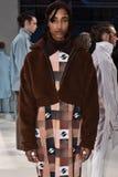 Modela pozy przy Cygańską sport prezentacją podczas Nowy Jork mody tygodnia mężczyzna spadku, zimy/2016 Fotografia Royalty Free
