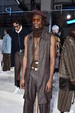 Modela pozy przy Cygańską sport prezentacją podczas Nowy Jork mody tygodnia mężczyzna spadku, zimy/2016 Zdjęcia Royalty Free