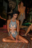 Modela pozy w projektanta pływania odzieży podczas Mara Hoffman pływania fasonują prezentację Zdjęcie Royalty Free