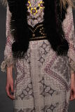 Modelannika krijt loopt de baan bij de Anna Sui-modeshow tijdens MBFW-Daling 2015 Stock Foto's