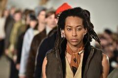 Modele chodzą pasa startowego finał przy Billy Reid pokazem mody podczas Nowy Jork mody tygodnia mężczyzna spadku, zimy/2016 Zdjęcia Royalty Free