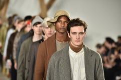 Modele chodzą pasa startowego finał przy Billy Reid pokazem mody podczas Nowy Jork mody tygodnia mężczyzna spadku, zimy/2016 Zdjęcie Royalty Free