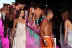 Modele chodzą pasa startowego finał przy KYBOE! pokaz mody Zdjęcie Royalty Free
