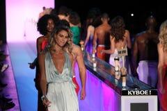 Modele chodzą pasa startowego finał przy KYBOE! pokaz mody Zdjęcie Stock