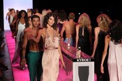 Modele chodzą pasa startowego finał przy KYBOE! pokaz mody Obrazy Royalty Free