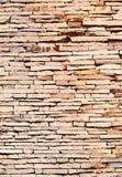 Modele el color de fondo de la pared de piedra real de la grieta Imagen de archivo