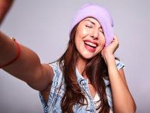 Modele en ropa casual del verano sin maquillaje en estudio Foto de archivo libre de regalías