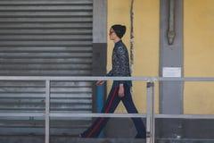 Modele na construção do desfile de moda de Gucci para o pouquinho da forma de Milan Men Imagem de Stock