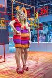 Modele pozują dla gości przy Zdjęcie Royalty Free