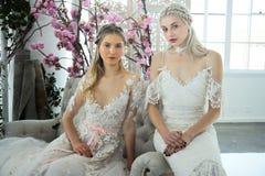 Modele pozują podczas Marchesa wiosny, lata 2018 mod/Bridal prezentacja Obraz Royalty Free
