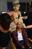 Modele przygotowywają zakulisowego podczas Blonds na Wrześniu 2016 ZROBILI moda tygodniowi Zdjęcia Stock
