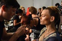 Modele przygotowywają zakulisowego podczas Blonds na Wrześniu 2016 ZROBILI moda tygodniowi Obraz Royalty Free