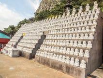 Modell av den buddistiska helgonstenen, i koreansk arkitektonisk stil, Arkivbilder