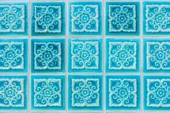 Modell av glasade tegelplattor för turkos blomma royaltyfria bilder