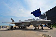 Modell av kämpen för slag för Lockheed Martin F-35 blixtskarv på Singapore Airshow Royaltyfria Foton