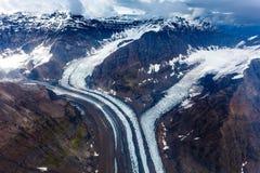 Modell av korkade berg för snö och smältningsglaciärer i Alaska Arkivbild