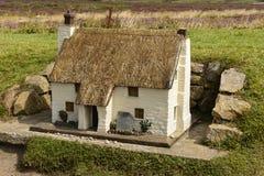 Modell av stugan på landslut 03, Cornwall Arkivfoton