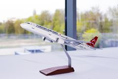 Modell der TC-JSE Turkish Airlines Airbus A321-200 Flugzeuge Lizenzfreie Stockfotos