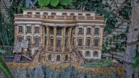 Modell des Weißen Hauses gemacht vom pflanzlichen Material Stockbilder