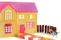 Modell des Zweigeschosshaus-Wochenendenhauses Lizenzfreies Stockbild