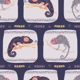 Modell för ödla för tecknad film kameleont texturerad sömlös För tegelplattavektor för färgrik reptil repeatable illustra royaltyfri illustrationer