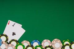 Modell för banermallorientering för online-kasino Grön tabell, bästa sikt på arbetsplats Royaltyfria Bilder