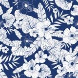 Modell för blå sommar för teckning för vektor hawaiansk sömlös tropisk med tropiska växter, sidor och hibiskusblommor stort stock illustrationer