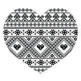 Modell för hjärta för traditionell svart ukrainare- eller vitryssfolkkonst - valentin dag Arkivfoto