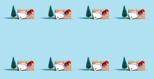 Modell för julgåvaask royaltyfri bild