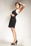 modell för lampa för mode för bakgrundsblackklänning Royaltyfri Foto
