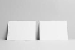 Modell för reklamblad A5 - väggbakgrund Arkivfoton