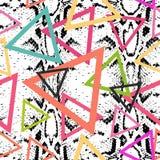 Modell för textur för ormhud sömlös svart magentafärgat orange rosa purpurfärgat blått tryck, Geo etniskt modernt moderiktigt geo stock illustrationer